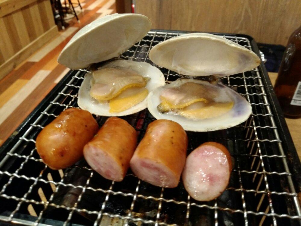ソーセージと白蛤(ホンビノス貝)